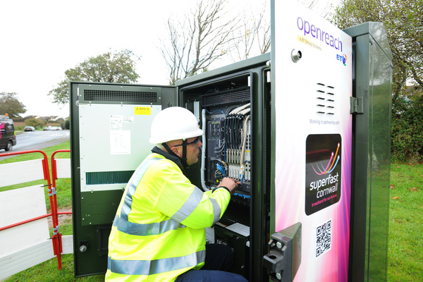 Openreach engineer working on connecting customers to a fibre enabled cabinet